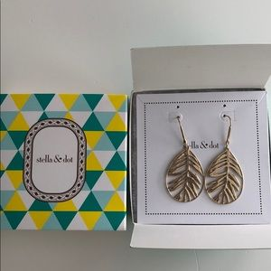 NIB STELKA & DOT FILIGREE EARRINGS